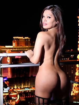 Busty Carmen Moore stripping in Vegas